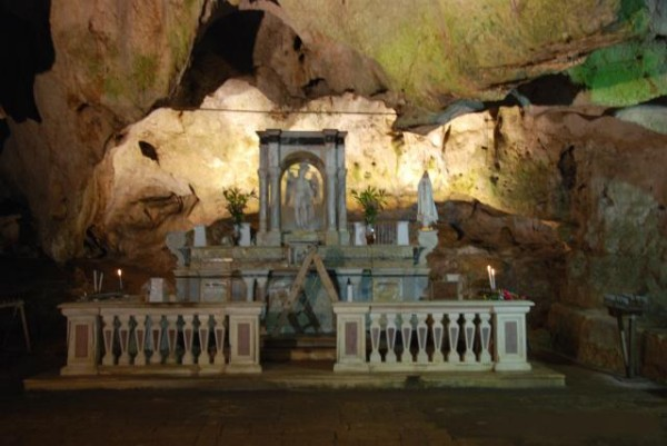 grotta san michele cagnano